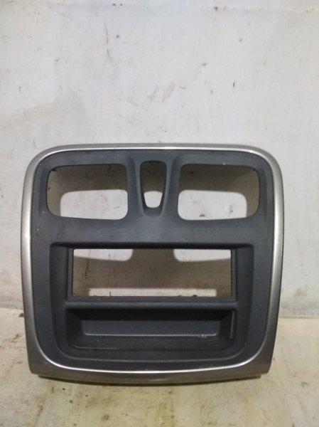Рамка магнитолы Renault Sandero Stepway 2 5S K7M 2017 передняя (б/у)