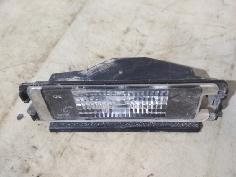Плафон подсветки номера Renault Sandero Stepway 1 BS11 задний (б/у)