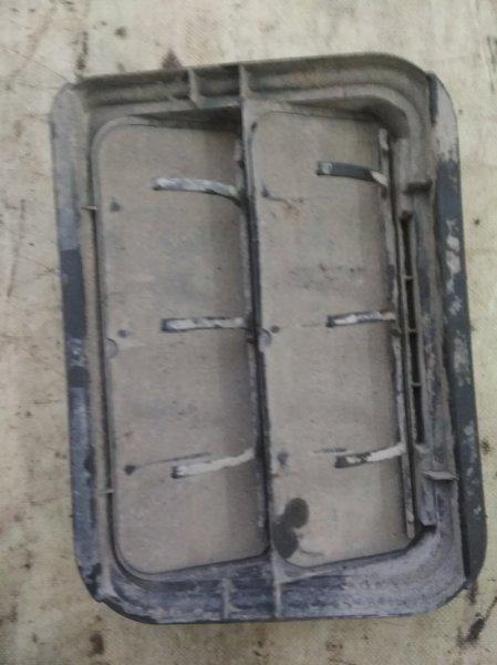 Решетка вентиляционная Renault Sandero Stepway 1 K7M 710 2011 задняя (б/у)