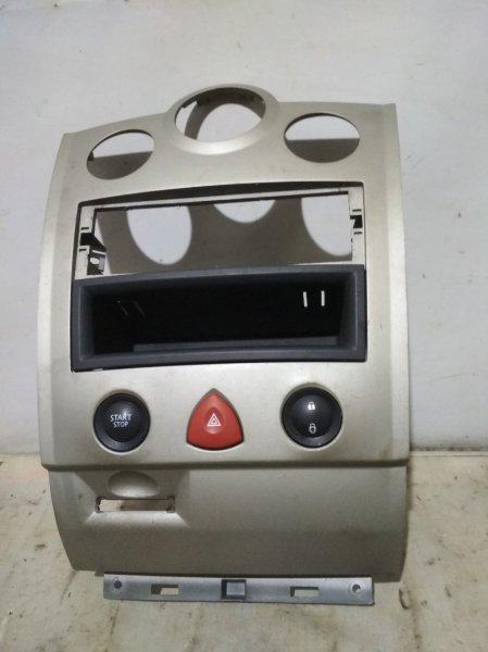 Рамка магнитолы Renault Megane 2 2004 передняя (б/у)
