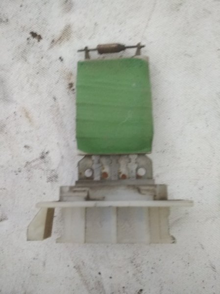 Резистор отопителя Renault Logan 1 LS K7J 710 2015 (б/у)