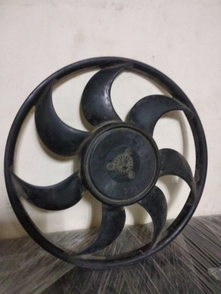 Крыльчатка вентилятора Renault Sandero 1 2009 (б/у)