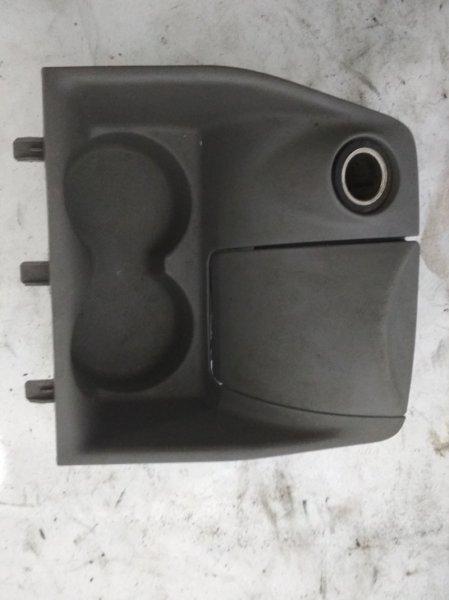 Подстаканник Renault Symbol 2 LU01 K4MA744 2011 (б/у)