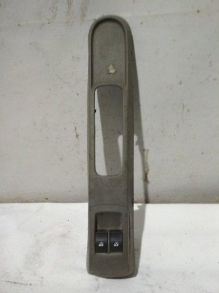 Консоль ручника Renault Symbol 2 LU01 K4MA744 2011 (б/у)