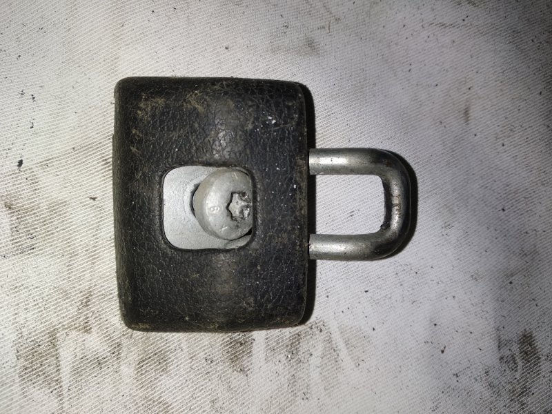 Замок багажника ответная часть Renault Symbol 2 LU01 K4MA744 2011 (б/у)