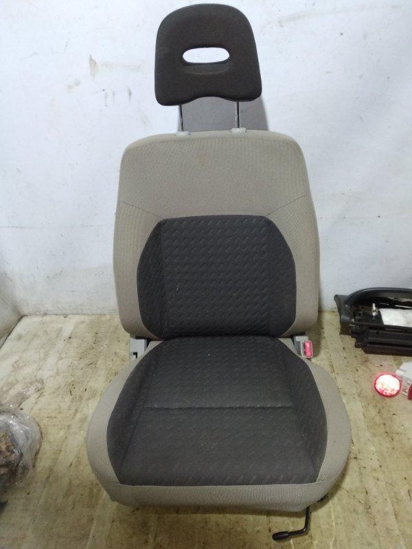 Сиденье Nissan X-Trail QR20DE 2005 переднее правое (б/у)