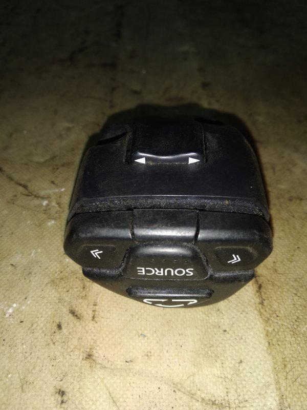 Блок управления магнитолой на руле Nissan X-Trail QR20DE 2005 передний (б/у)