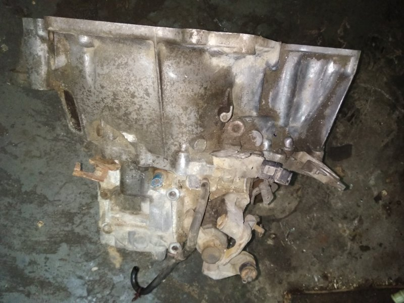 Механическая коробка передач Nissan X-Trail QR20DE 2005 (б/у)