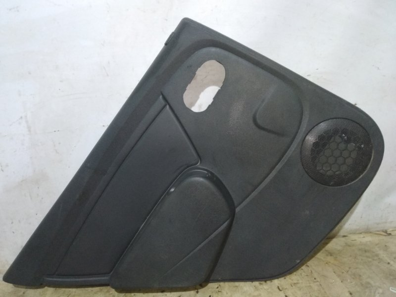 Обшивка двери Renault Sandero Stepway 1 K4M 2009 задняя левая (б/у)