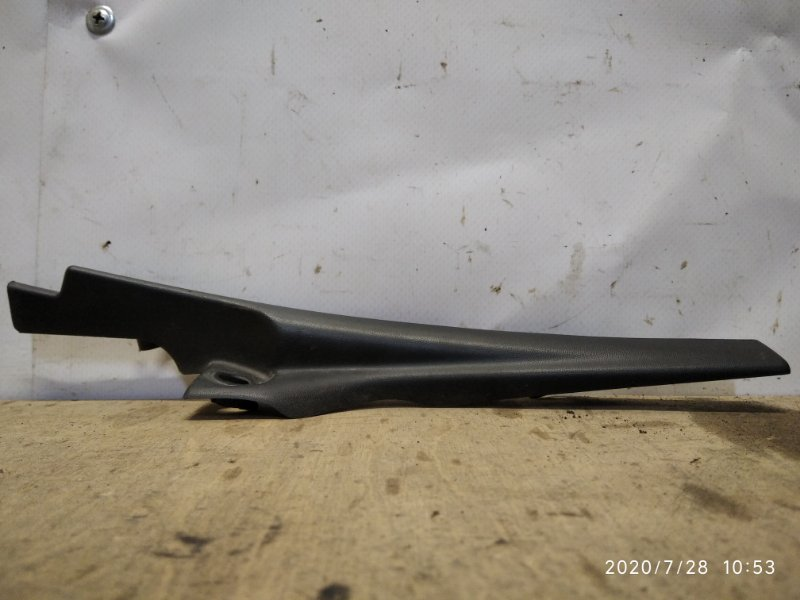 Накладка петли капота Lada Largus K7M 2015 передняя правая (б/у)