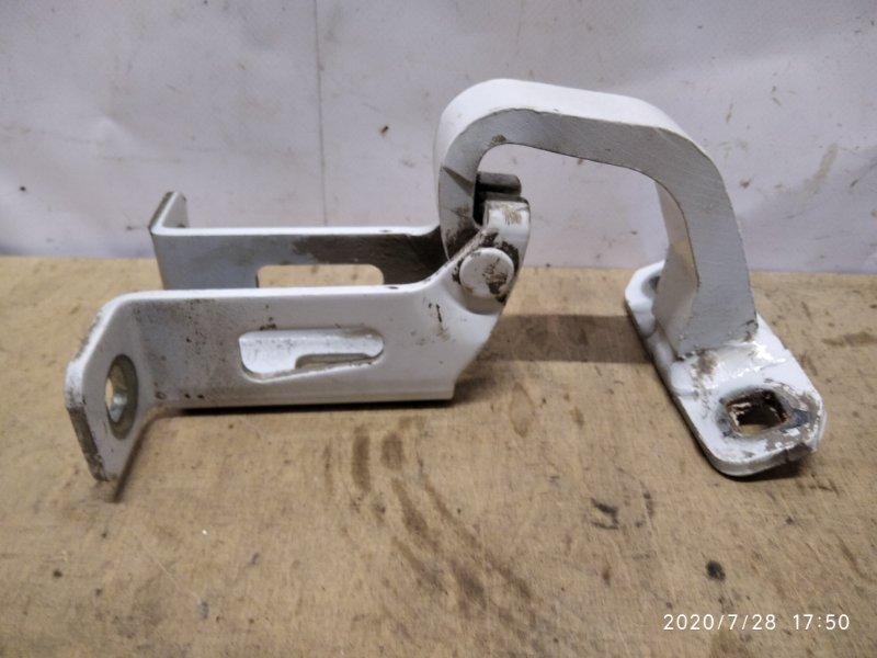 Петля крышки багажника Lada Largus 2012 задняя правая (б/у)
