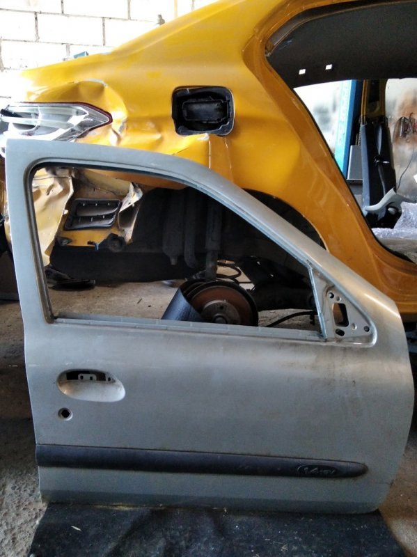 Дверь Renault Clio 2 1998 передняя правая (б/у)