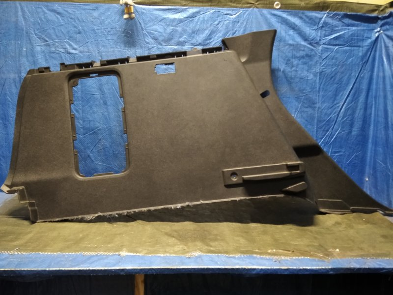 Обшивка багажника боковая Renault Kaptur SUV 5 задняя левая (б/у)
