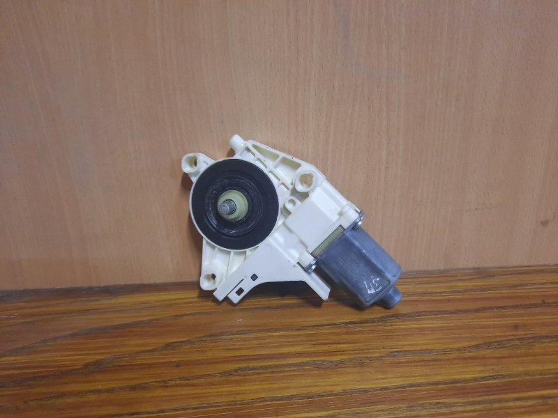Мотор стеклоподъемника Renault Fluence СЕДАН 1.6 K4M 2010 задний правый (б/у)