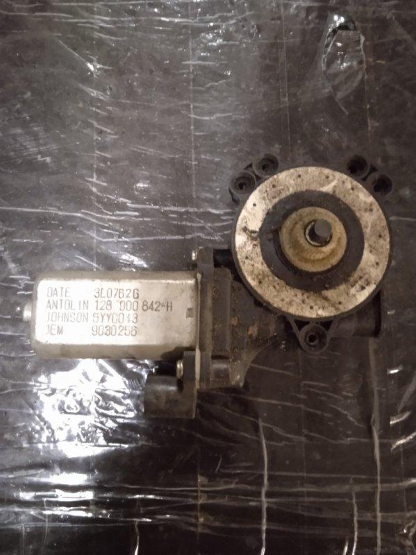 Мотор стеклоподъемника Renault Sandero K4M 2009 передний правый (б/у)