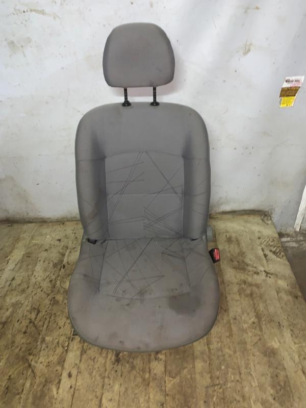Сиденье Renault Symbol 1 СЕДАН K7J 2002 переднее правое (б/у)