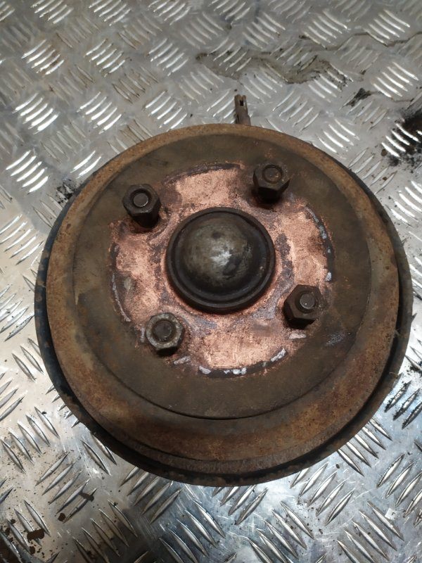 Тормозной барабан Ford Fusion 2007 задний левый (б/у)