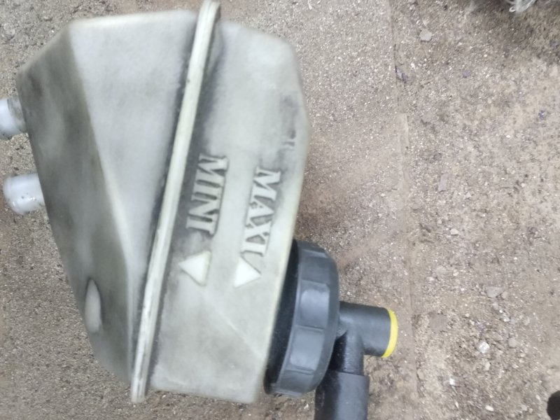 Бачок для тормозной жидкости Renault Symbol 1 СЕДАН K7J 2002 (б/у)