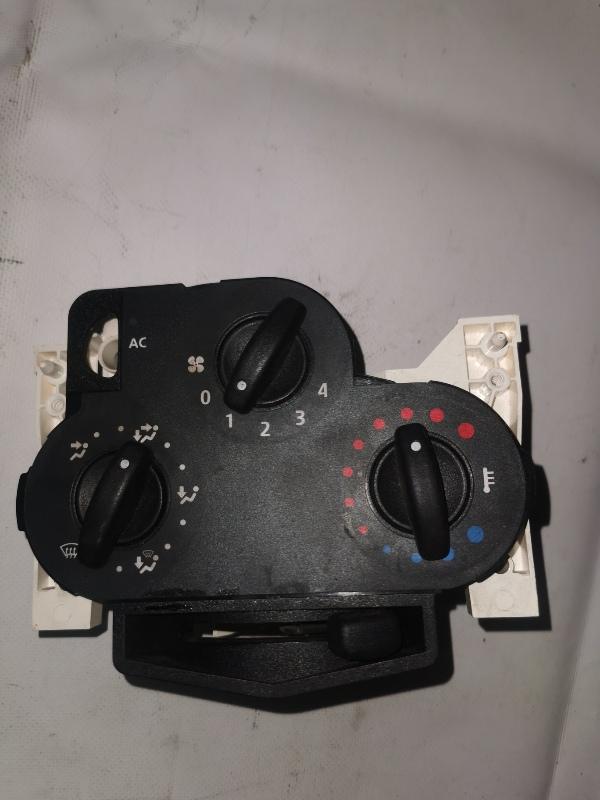 Блок управления отопителем Renault Logan 1 K7J 2008 (б/у)