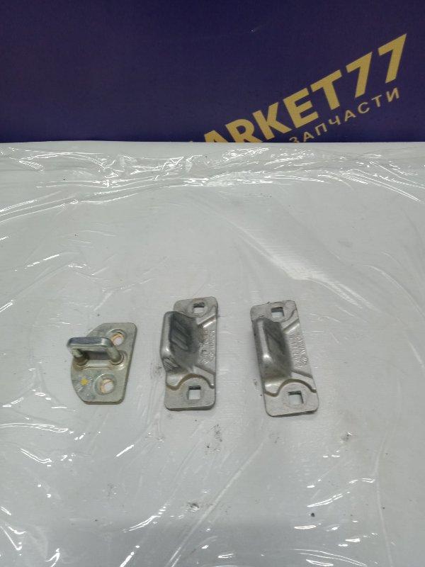 Ответная часть замка сдвижной двери Renault Kangoo 2 KWO K9K 2011 правая (б/у)