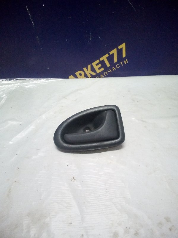 Ручка двери внутренняя Renault Symbol 1 СЕДАН K7J 2004 правая (б/у)