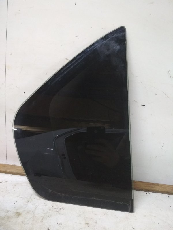 Форточка двери Renault Logan 2 L8 K7M 2016 задняя правая (б/у)