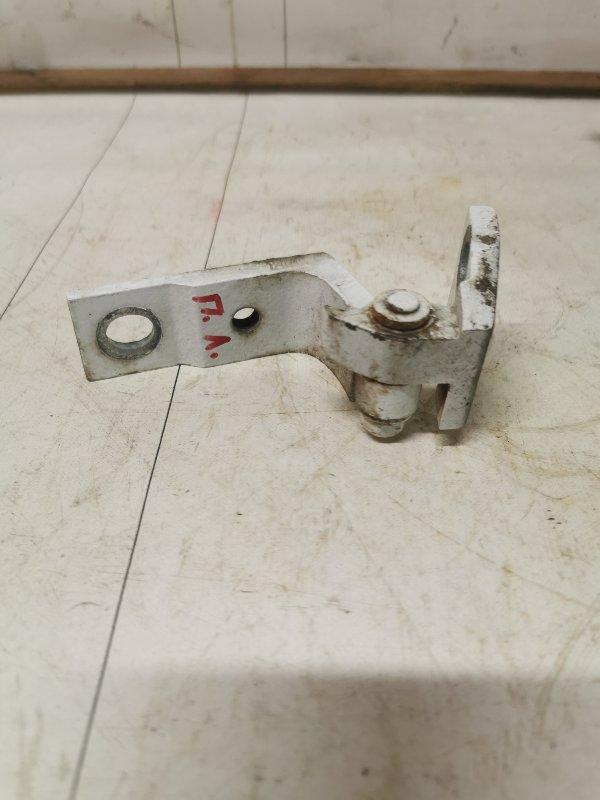 Петля двери Chery Bonus A13 1.5 2012 передняя левая (б/у)