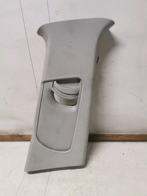 Обшивка стойки Skoda Octavia A5 1.4 2008 правая (б/у)