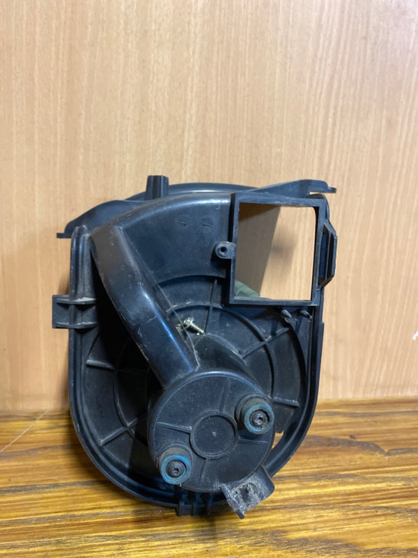 Моторчик отопителя (печки) Renault Clio 2 ХЭТЧБЭК K4J713 2003 (б/у)