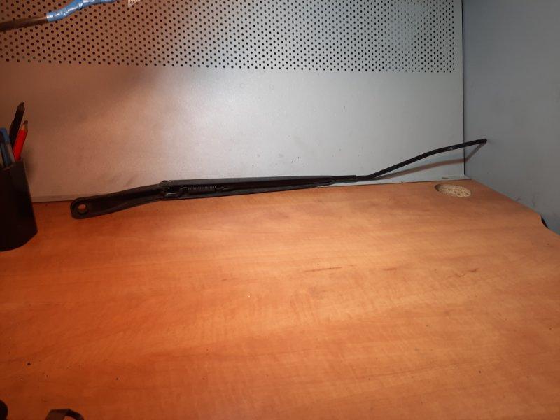 Поводок стеклоочистителя Renault Megane 3 2008 передний правый (б/у)