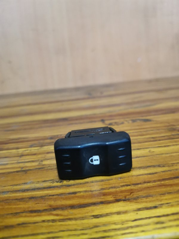 Кнопка Renault Logan 1 K7M 710 2004 (б/у)