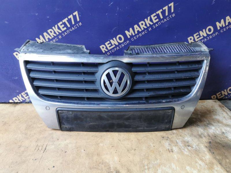 Решетка радиатора Volkswagen Passat УНИВЕРСАЛ (б/у)