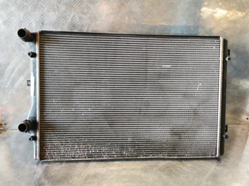 Радиатор охлаждения Volkswagen Passat УНИВЕРСАЛ (б/у)