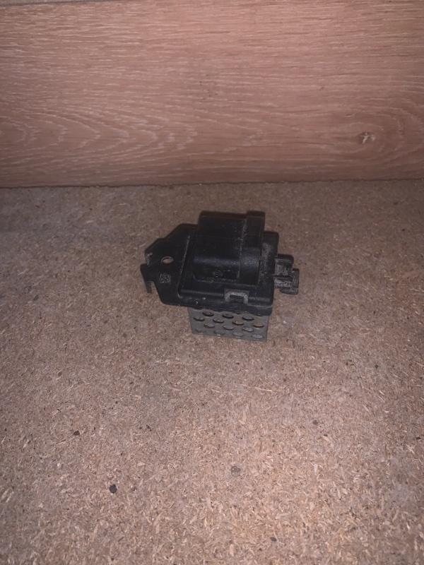 Резистор вентилятора Renault Sandero 1 ХЭТЧБЭК K4M690 2013 (б/у)