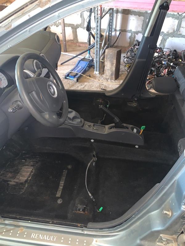 Ковролин салона Renault Sandero 1 ХЭТЧБЭК K4M690 2013 (б/у)
