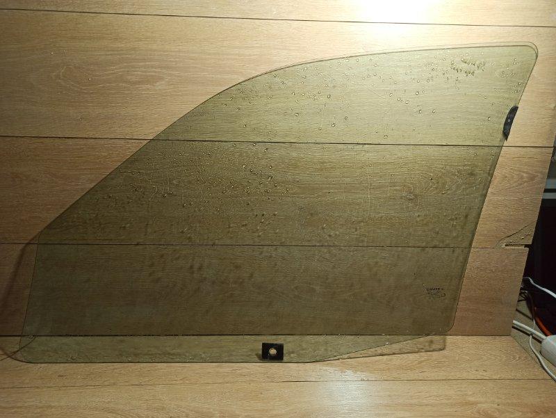 Стекло двери Renault Symbol 1 K4J 2003 переднее правое (б/у)