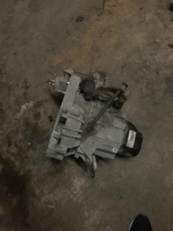 Механическая коробка передач Renault Sandero 2 K7M 2015 (б/у)