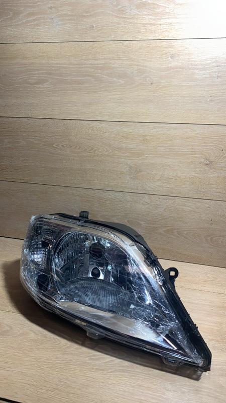 Фара Lada Largus R90 1.6 передняя правая