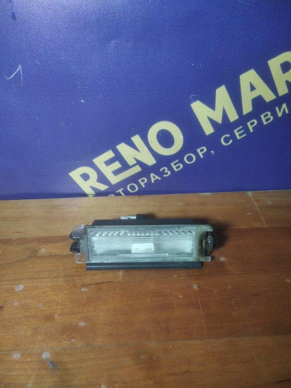 Плафон подсветки номера Renault Symbol 1 LB K7JA700 2006 (б/у)