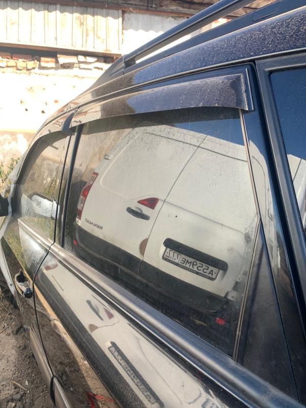 Стекло двери Hyundai Tucson 2.0 ДИЗЕЛЬ 2007 заднее левое (б/у)
