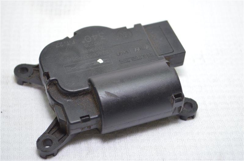 Моторчик привода заслонок отопителя Chevrolet Cruze Z18XER 2009 (б/у)