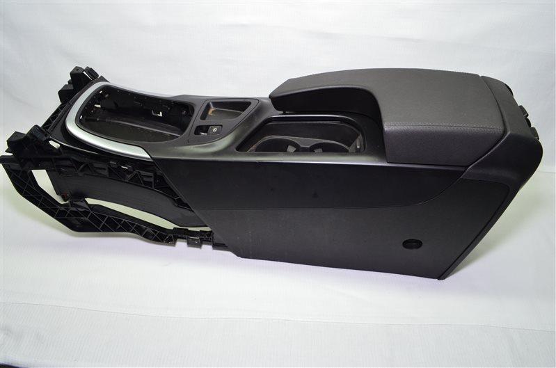 Подлокотник Opel Insignia A20DTH 2009 (б/у)
