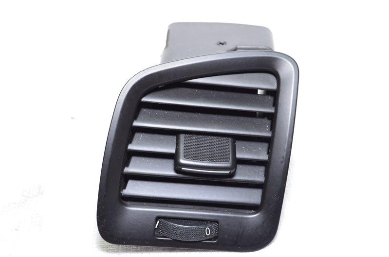 Дефлектор воздуховода боковой Opel Insignia A20DTH 2009 левый (б/у)