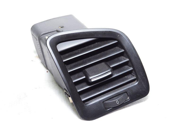 Дефлектор воздуховода боковой Opel Insignia A20DTH 2009 правый (б/у)