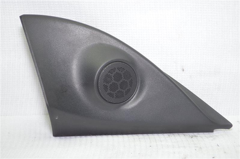 Крышка зеркала внутренняя Opel Astra H 1.6 Z16XEP 2005 правая (б/у)