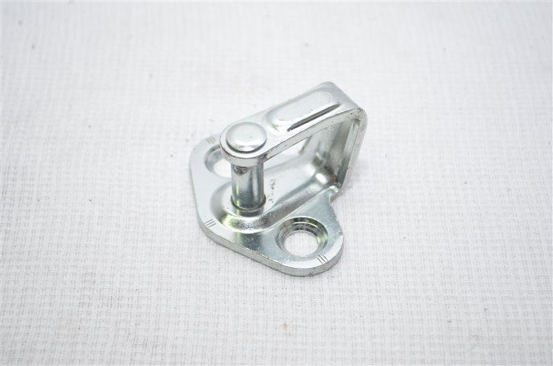 Ответная часть замка двери Opel Insignia 2.0 A20DTH 2010 (б/у)