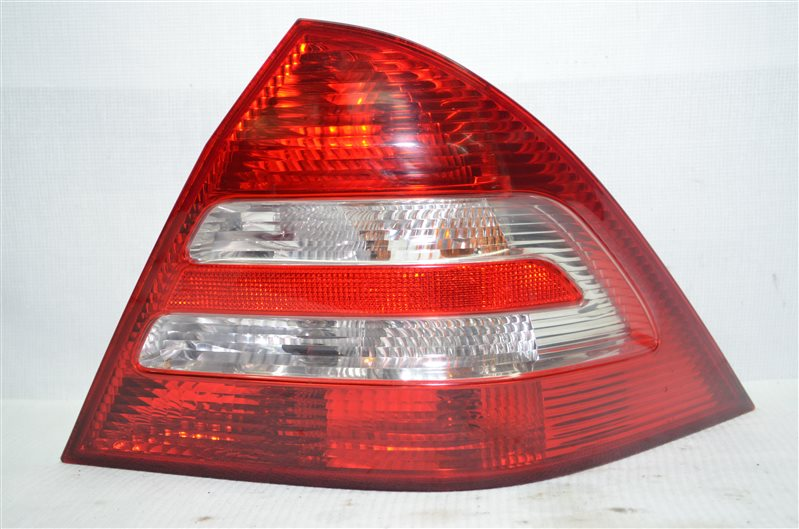 Фонарь Mercedes C180 W203 1.8 KOMPRESSOR M271.946 2004 задний правый (б/у)