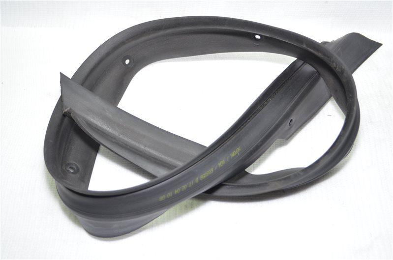 Уплотнитель порога Mercedes C180 W203 1.8 KOMPRESSOR M271.946 2004 (б/у)