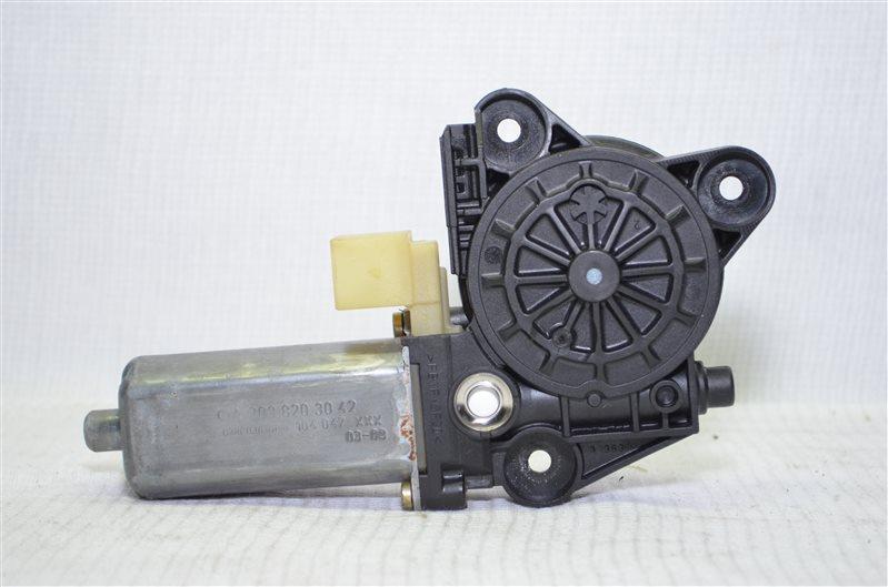 Моторчик стеклоподъемника Mercedes C180 W203 1.8 KOMPRESSOR M271.946 2004 задний правый (б/у)