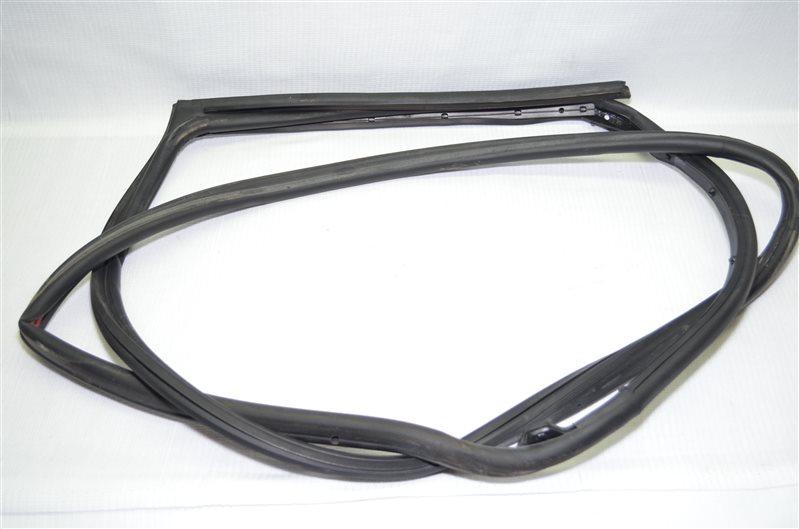 Уплотнитель Mercedes C180 W203 1.8 KOMPRESSOR M271.946 2004 (б/у)